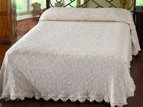 Fashioned Bedspreads Fashioned Bedspreads Retro Barn Country Linens