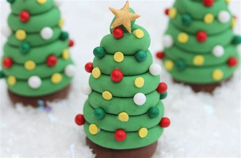 fondant christmas decorations fondant cake decorations goodtoknow