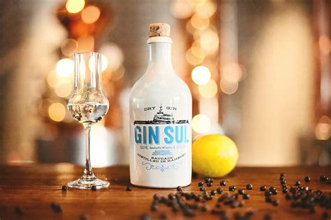 Handcrafted Gin - gin sul handcrafted gin 43 176 50 cl querdrinker