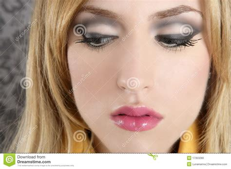 imagenes maquillaje retro detalle rubio retro del maquillaje del retrato de la mujer