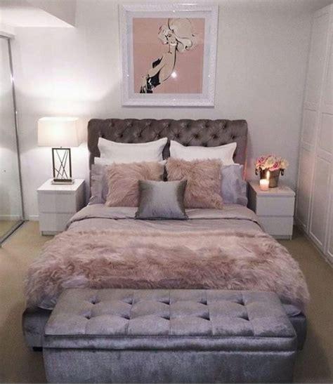 chambre fourrure idee deco chambre adulte romantique chambre romantique