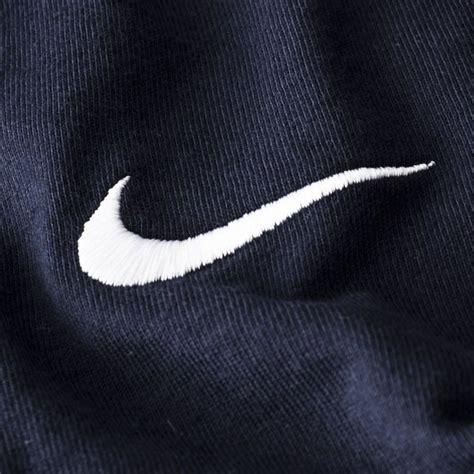 Tshirt Nike Swoosh R C nike t shirt swoosh navy www unisportstore se