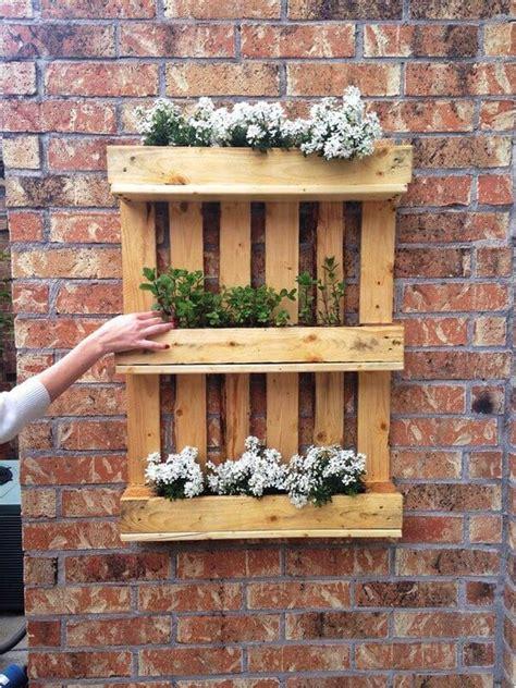 Pallet Garden Wall Diy Recycled Pallet Garden Wall Ideas Pallets Designs