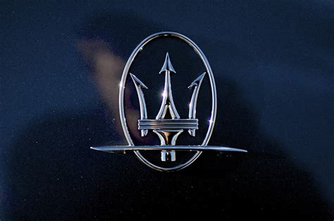 maserati car symbol maserati symbol flickr photo