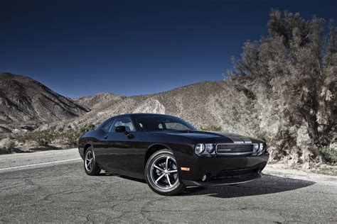 2011 challenger review 2012 dodge challenger review specs pictures price mpg