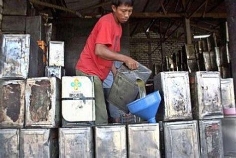Minyak Goreng Curah Di Pabrik daerah ini akan hapus minyak curah dari pasaran