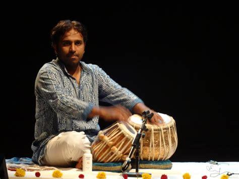 ustad zakir hussain biography in english tabla and sitar at bharat nivas aurovilleradiotv