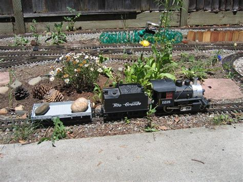 backyard railroads large scale and garden railways gt little garden and