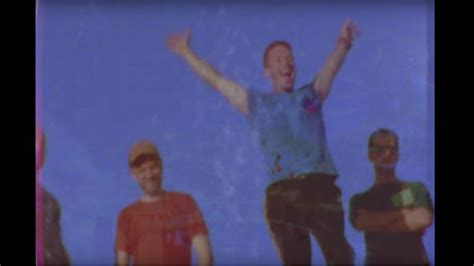 coldplay birds watch coldplay s colorful soaring birds video rolling