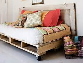 Pallet Daybed Design Pallet Furniture Repurposed Ideas For Pallets