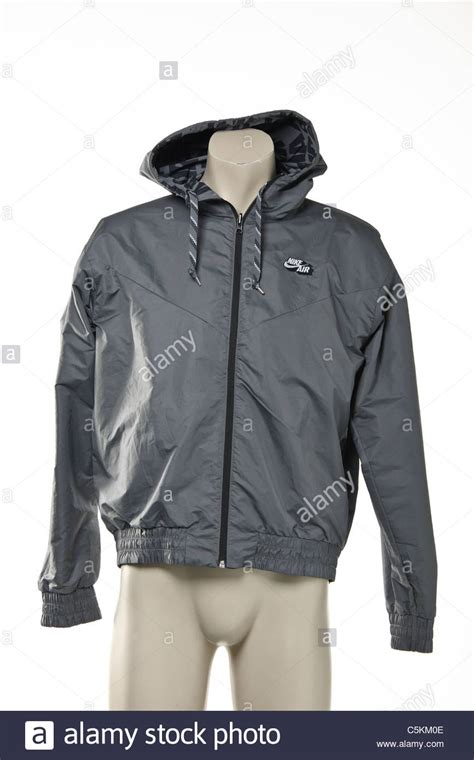 Jaket Windrunner Waterproof mens jacket jackets review