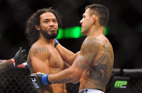 benson henderson back tattoo reacts to rafael dos anjos ufn 49 upset of benson