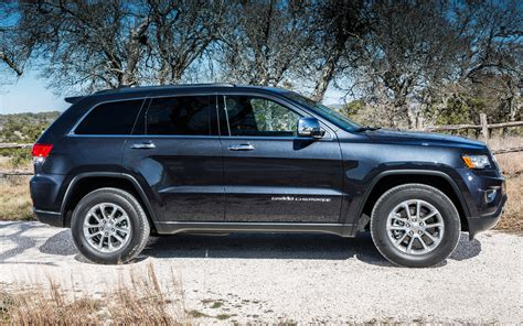 2014 blue jeep grand cherokee 2014 jeep grand cherokee diesel first drive motor trend