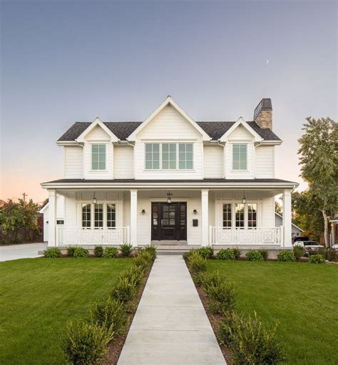 25 best ideas about white farmhouse exterior on modern farmhouse exterior