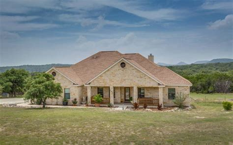 texas hill country real estate for sale bandera homes 243 best texas horse properties images on pinterest acre