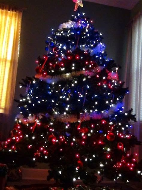 patriotic christmas lights confessions of a junkie in july day 3 patriotic trees on a budget