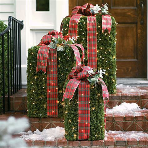 christmas outdoor decorations 30 christmas decorating ideas to get your home ready for the holidays