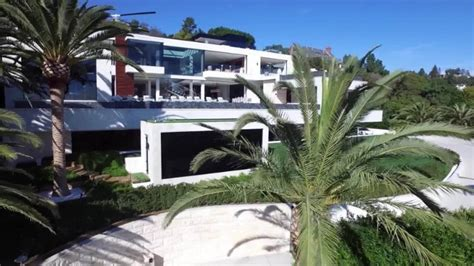 250 million dollar house house hunting inside the 250 million mansion that s up
