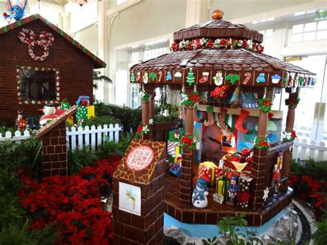 gingerbread displays 171 extra walt disney world magic