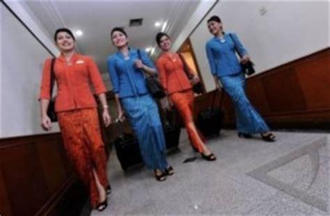 Baju Pilot Garuda Baju Pilot model baju seragam batik pramugari busana pramugari garuda