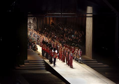 movie themed concert london burberry stages london themed fashion show at london in la