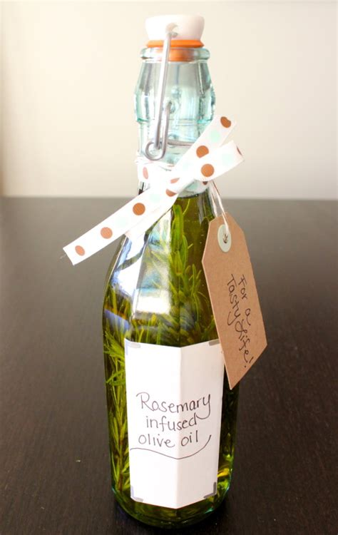 Useful Housewarming Gifts | these 20 diy housewarming gifts are the perfect thank you