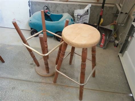 upside down bar stool nifty thrifty momma diy easy bar stool makeover