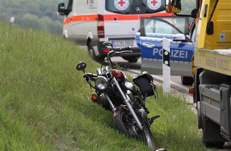 Unfall Motorrad Stuttgart by Motorrad Unf 228 Lle Ein Toter Und Mehrere Verletzte Baden