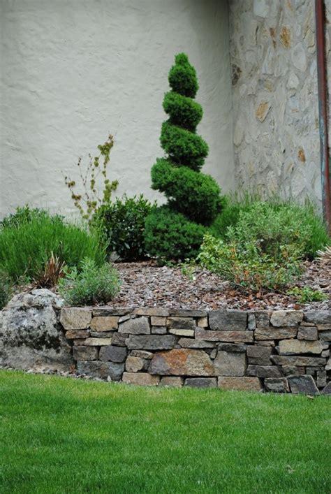 pflegeleichten garten anlegen und genießen steingarten anlegen und eine naturgem 228 223 e und attraktive