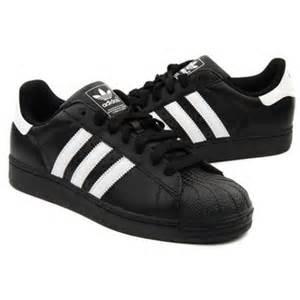 Adidas Superstar Hombres Mujer Zapatillas Negro Blanco Stripes Zapatos P 980 by Adidas Superstar Negros