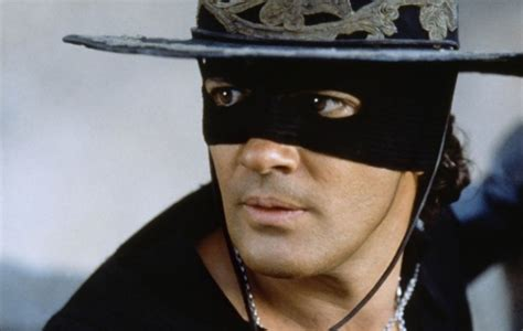 el zorro gael garcia bernal to star in the zorro movie reboot