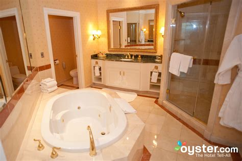 vegas bathrooms best hotel bathrooms in las vegas venetian resort hotel casino oyster com