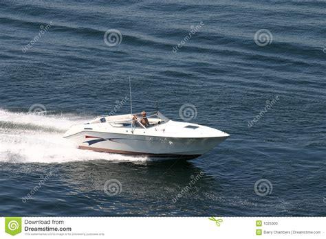 kleine speedboot small speedboat stock photo image of speed lake boat