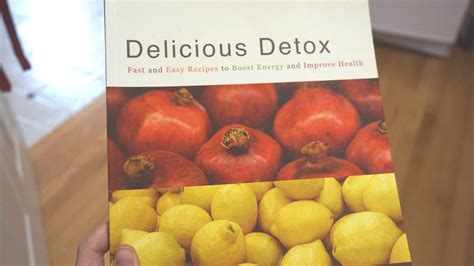 Delicious Detox Cookbook by Healthy Gift Guide 2017 Dr