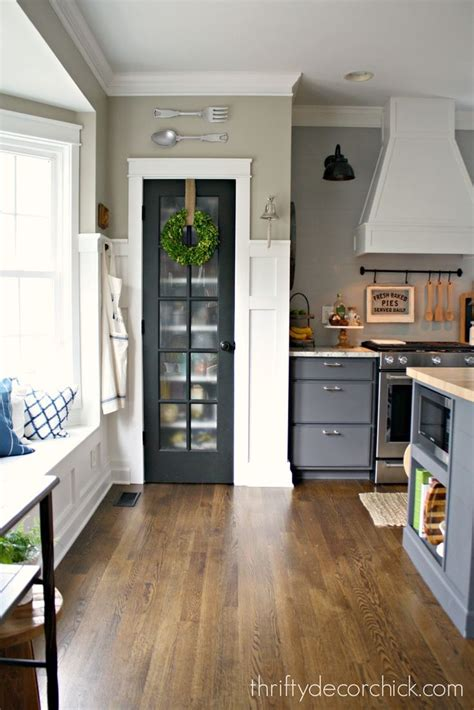 kitchen pantry doors ideas 25 best ideas about pantry doors on kitchen
