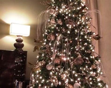 25 Dekorasi Natal Hiasan Ornamen Pohon Natal Hiasan Pohon Natal foto contoh desain dan dekorasi pohon natal 40 simomot