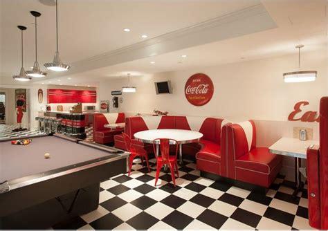 cuisine am駭ag馥 avec bar restaurante inspirado nos anos 50 bares caf 201 s e