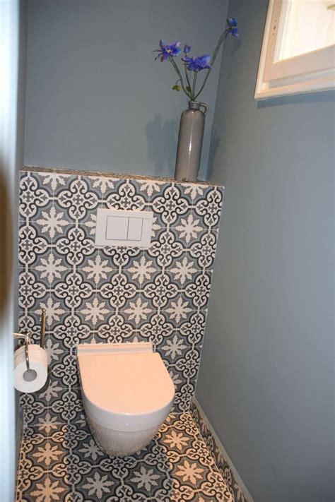 neutrale badezimmerideen die besten 17 ideen zu toiletten tapete auf wc