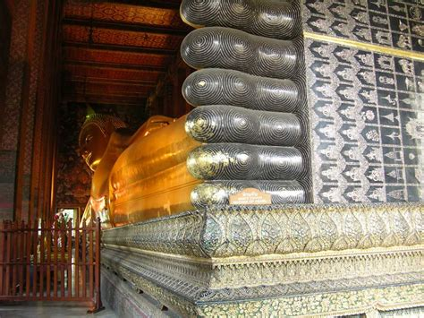 Reclining Buddha Temple Bangkok by Bangkok Photo Gallery