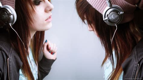wallpaper girl with headphones pink hair the scene