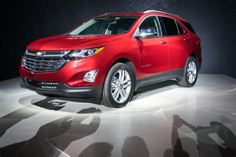 Chevy Equinox 2018 Pictures 2018 chevrolet equinox pictures gm authority