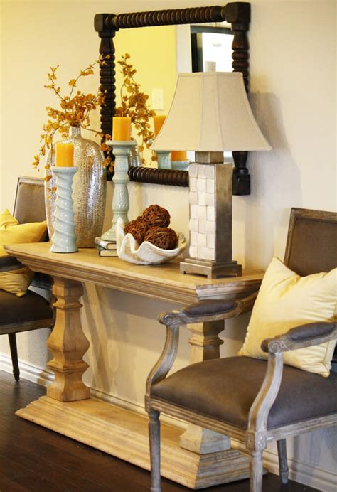How To Decorate Your Entryway Table