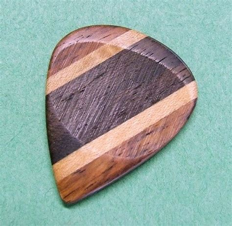 Picked Handmade by Custom Wood Guitar Handmade Yucatan Ziricote