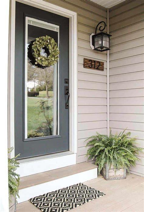 striking front door entrance porch decor