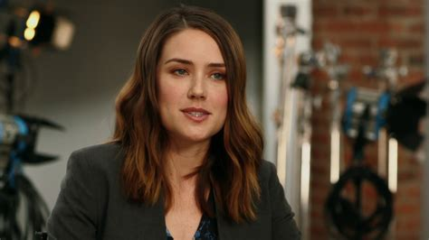 lizzy from black list hair the blacklist season 5 premiere megan boone quot elizabeth