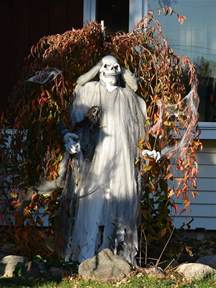 Halloween Spooky Decorations Outdoor Halloween Decorations Ideas To Stand Out