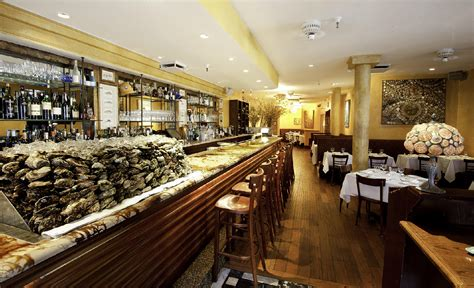 top oyster bars nyc the best raw bars in new york pursuitist