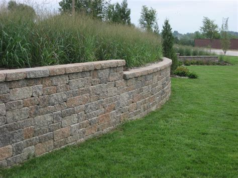 Retaining Wall Bricks Midwest Block Segmental Retaining Walls Traditional