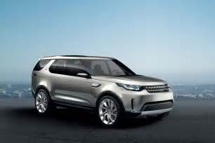 land rover s next discovery will lose the boxy evolutionary design and adopt a sleeker look