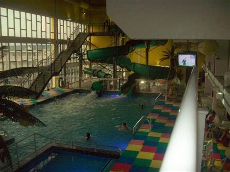 theme hotel new jersey can see amusement rides from outdoor pool area picture